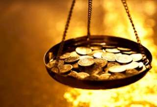 افت قیمت جهانی بیت کوین به نفع قیمت طلا خواهد بود