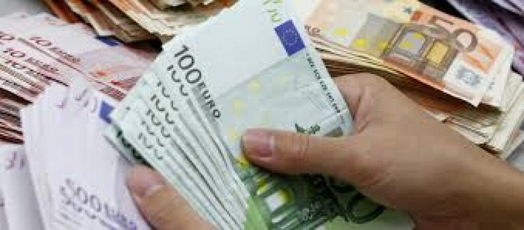 نرخ یورو و پوند افزایش یافت