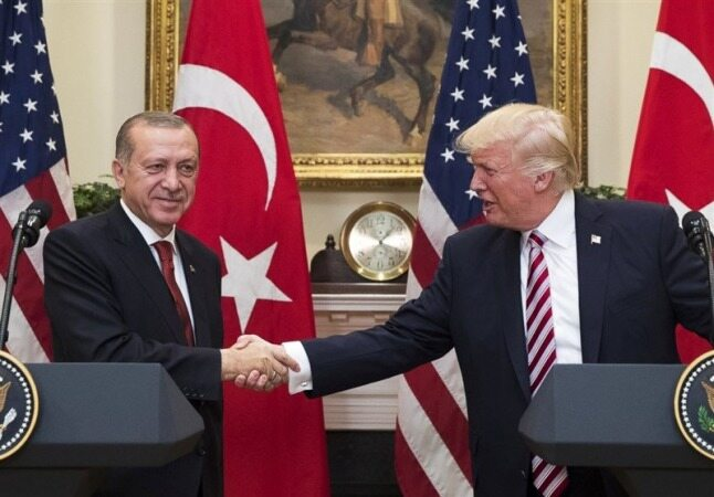 ترامپ: نیروهایمان را برای محافظت از میادین نفتی در سوریه نگاه داشتهایم