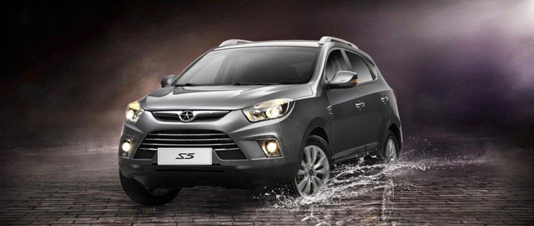 عقب نشینی از قیمتهای نجومی در محصولات کرمان موتور/ تداوم روند گرانی محصولات مدیران خودرو