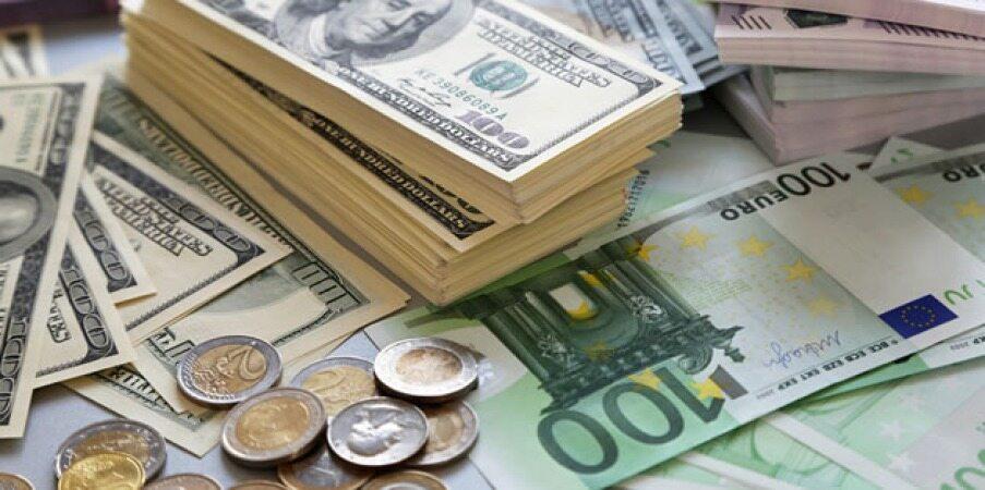 ثبات نرخ ارز در صرافى ملى/ دلار همچنان ١٣٦٠٠/نرخ ۴۷ ارز بین بانکی در ۲۳ بهمن