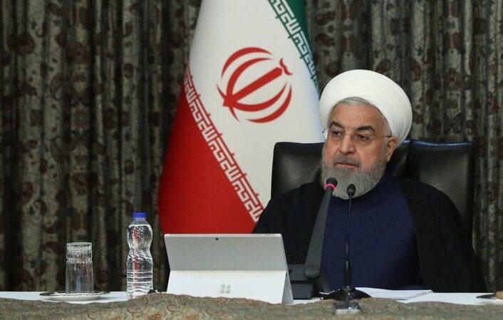 روحانی: مردم برای اجرای طرح های سخت گیرانه آماده باشند