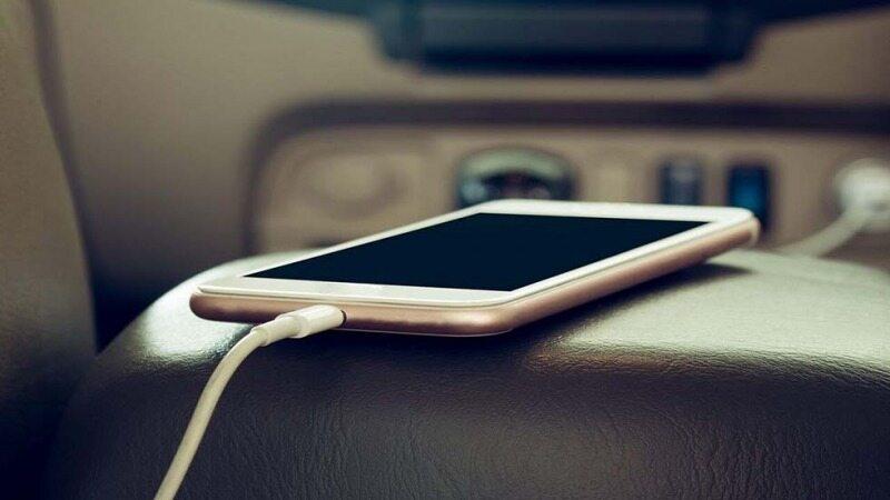 شارژ کردن موبایل در ماشین را فراموش کنید